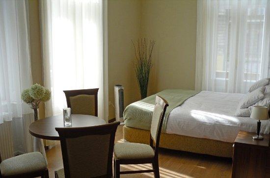Hotel Elit: Room