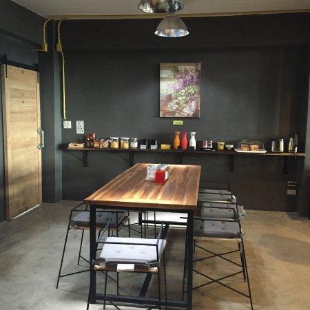 Yimwhan Hostel & Cafe