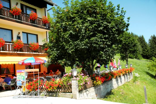 Unterbergen, Østerrike: Sonnenterrasse @ Berggasthof Lausegger
