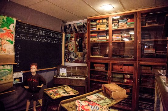 Sundance, WY: The school