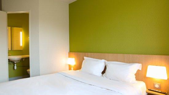 b b h tel toulon ollioules france voir les tarifs 61 avis et 28 photos. Black Bedroom Furniture Sets. Home Design Ideas