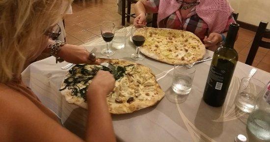 Lanuvio, Italia: le pizze