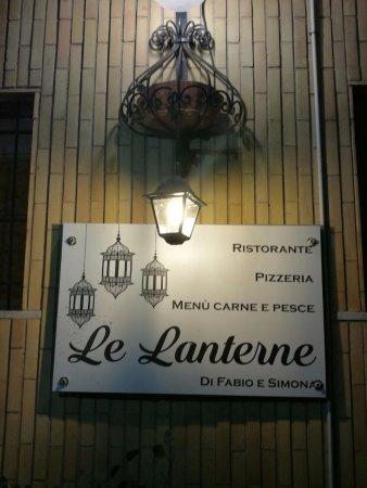 Lanuvio, Italia: le laterne