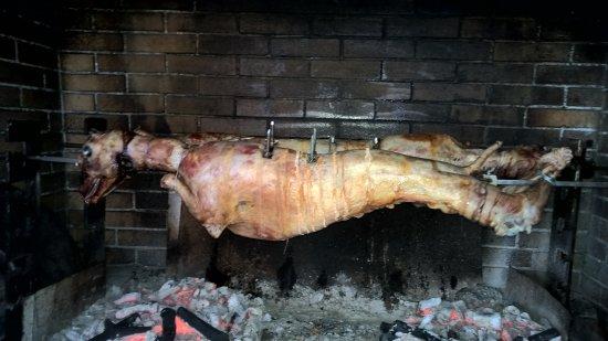 Spartochori, اليونان: jagnięcinka .... się przygotowuje