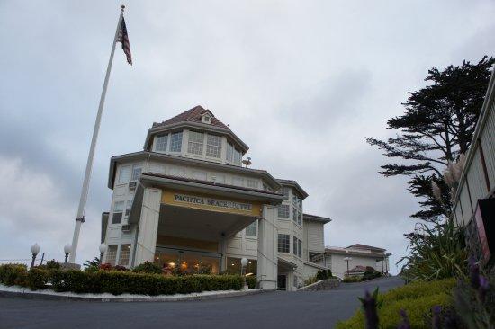 Entr e de l 39 h tel picture of pacifica beach hotel for Entree hotel