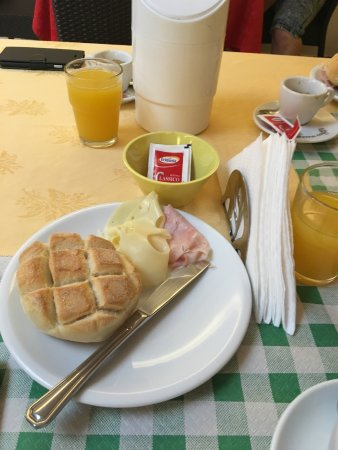 Hotel Diana Pompei: Breakfast