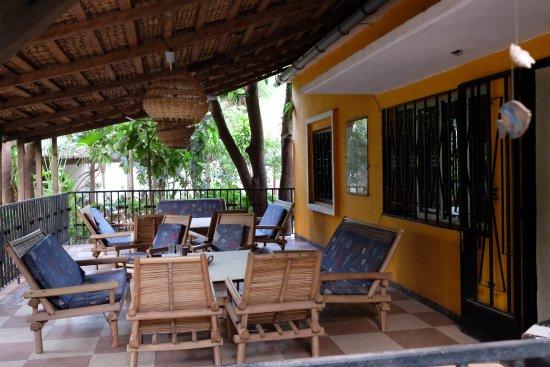 Auberge Djamilla: Terrasse extérieure