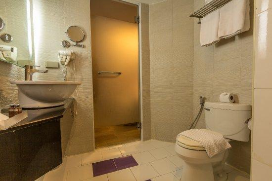 بست ويسترن كلاسيك سوكومفت: Superior room's bathroom