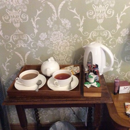 Chinley, UK: plenty of tea and coffee