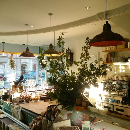 Auchterarder, UK: The delicatessen and wine bar