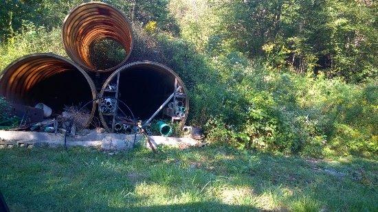 Hillsboro, Virgínia Ocidental: construction depot !