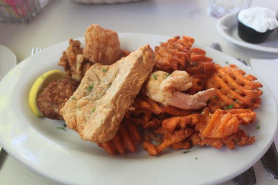 Tommy's: Seafood platter with sweet potato fries