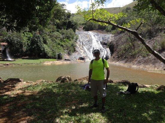 Santa Leopoldina, ES: Foto da cachoeira