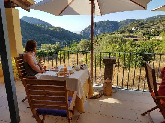 Es Petit Hotel de Valldemossa: 20160812_085123_large.jpg