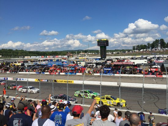 Loudon, NH : View of the track.