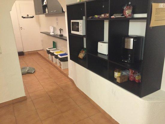 Küchenregal - Picture of Next Inn, Portimao - TripAdvisor   {Küchenregal 97}