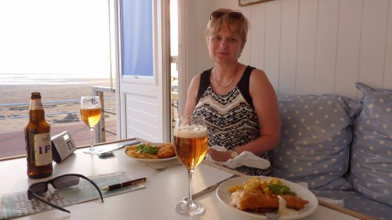 Lytham St Anne's, UK: Chippy tea
