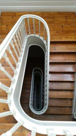 Almada Guesthouse: Escaleras