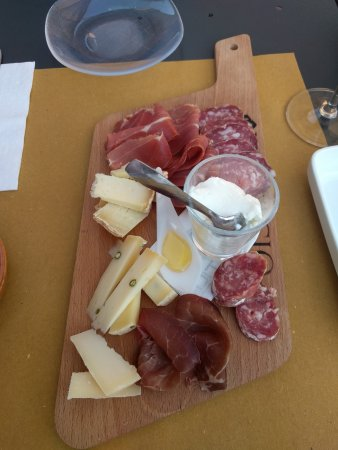 Riolo Terme, Italia: cold cuts and cheese