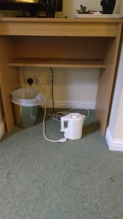 Bridge of Cally Hotel: kettle can only be used on the floor