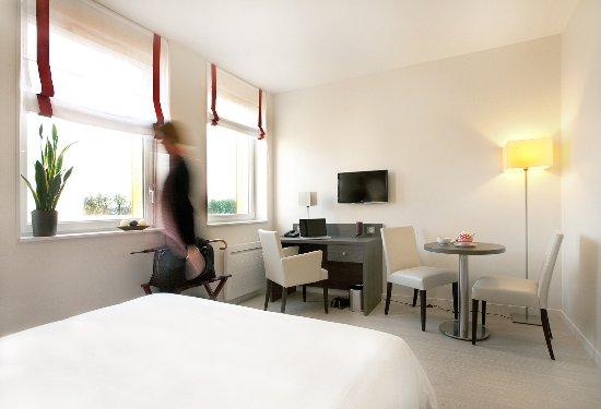 Residhome appart hotel reims centre france voir les for Hotel appart reims
