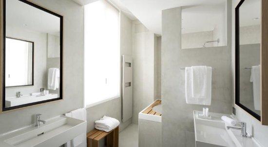 Autignac, Γαλλία: The Bathroom