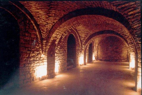 Guardiola de Bergueda, Spanien: Cripta del Monastir de Sant Llorenç