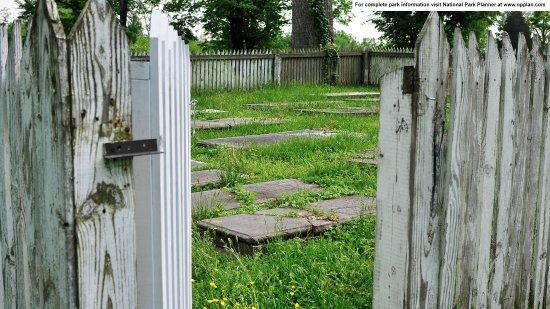 Fort Washington, MD: Marshall Family Cemetery