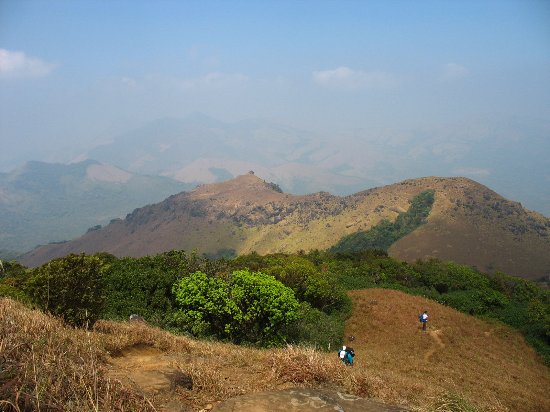 Kodagu (Coorg), Indien: Breathtaking view from the top of Thadiyandamol hills