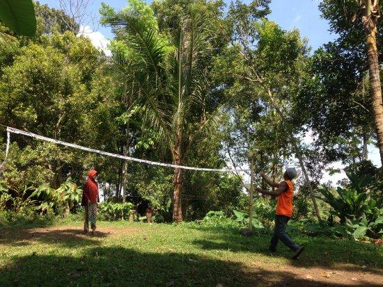 Tetebatu, Indonesien: play badminton any time you whant