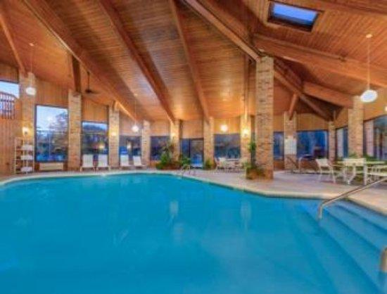 Enid, OK: Indoor Heated Pool