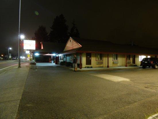Forks Motel Photo