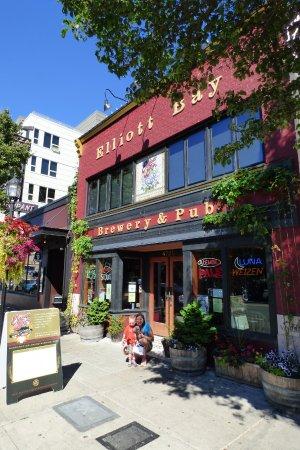 Elliott Bay Brewery Amp Pub Seattle 4720 California Ave