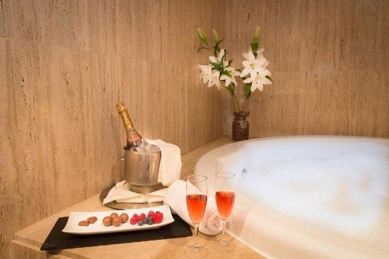 El Espinar, Spania: Bañera Suite