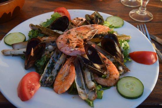 Monze, Γαλλία: salade de crustacés