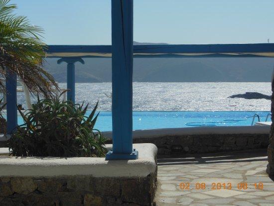 Agios Sostis, Hellas: Vista della piscina