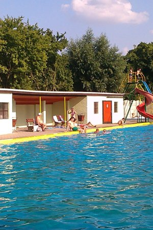 Vyskov, Repubblica Ceca: Náš bazén / For swimming and sunbathing