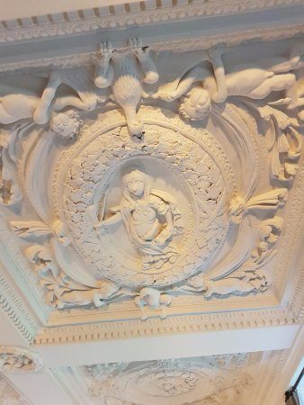 Lower Slaughter, UK: A section of ceiling in the Snooker Room