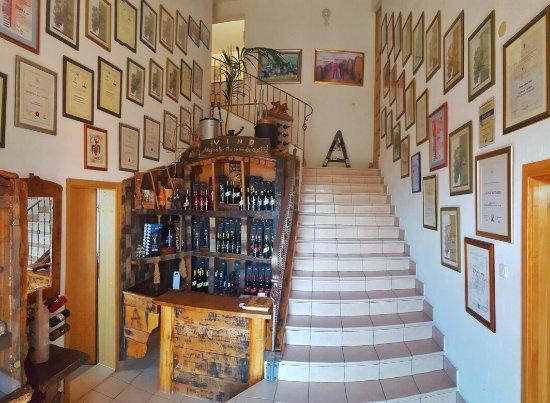 Citluk, Bósnia-Herzegovina: Andrija Cellars
