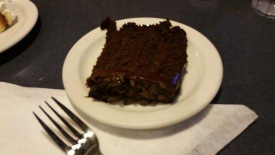 Aurora, Илинойс: Chocolate Cake