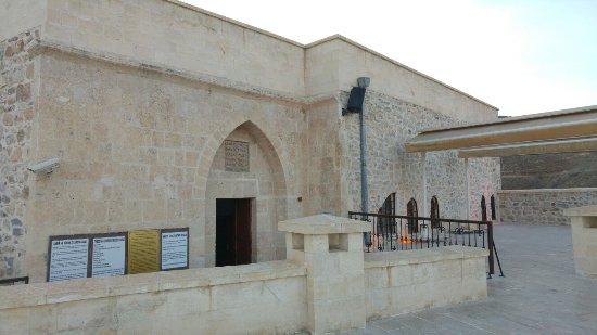 Kirikhan照片