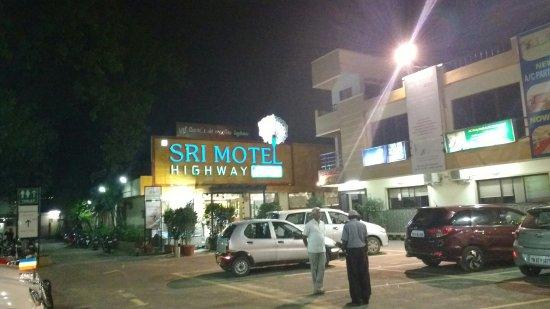 Sri Motel Highway, Chennai - Restaurant Reviews, Phone