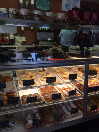 Litchfield, IL: Donut case