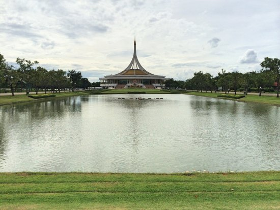 ‪King Rama IX Park‬
