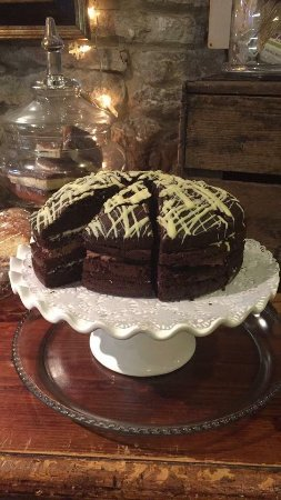 Askrigg, UK: Chocolate cake