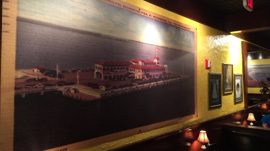 Port Richey, FL: Many old paintings of St. Petersburg
