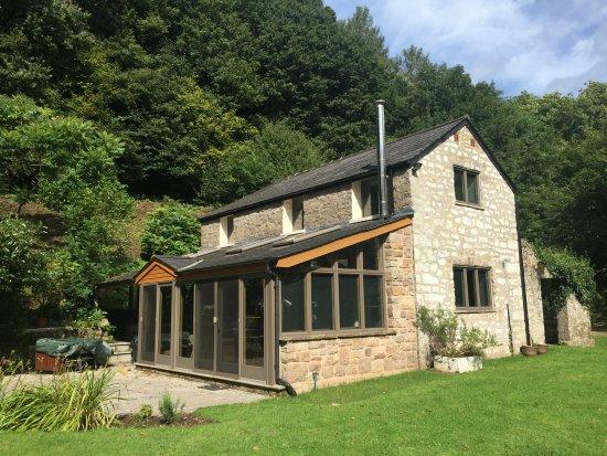 Llandogo, UK: IGSNAP - House in the Woods