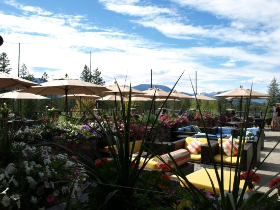 Invermere, Canada : Restaurant Patio