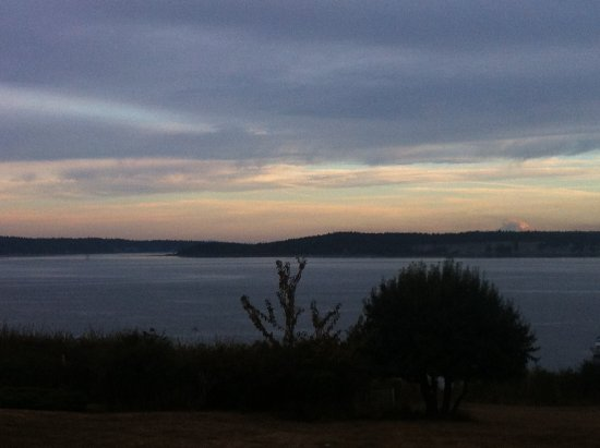 Sequim Bay Scenic Pullout: Beautiful water view
