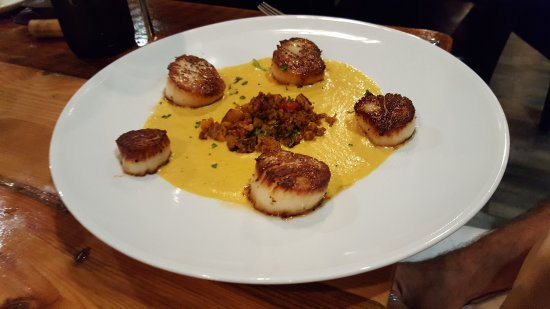 Front Royal, VA: Seared scallops